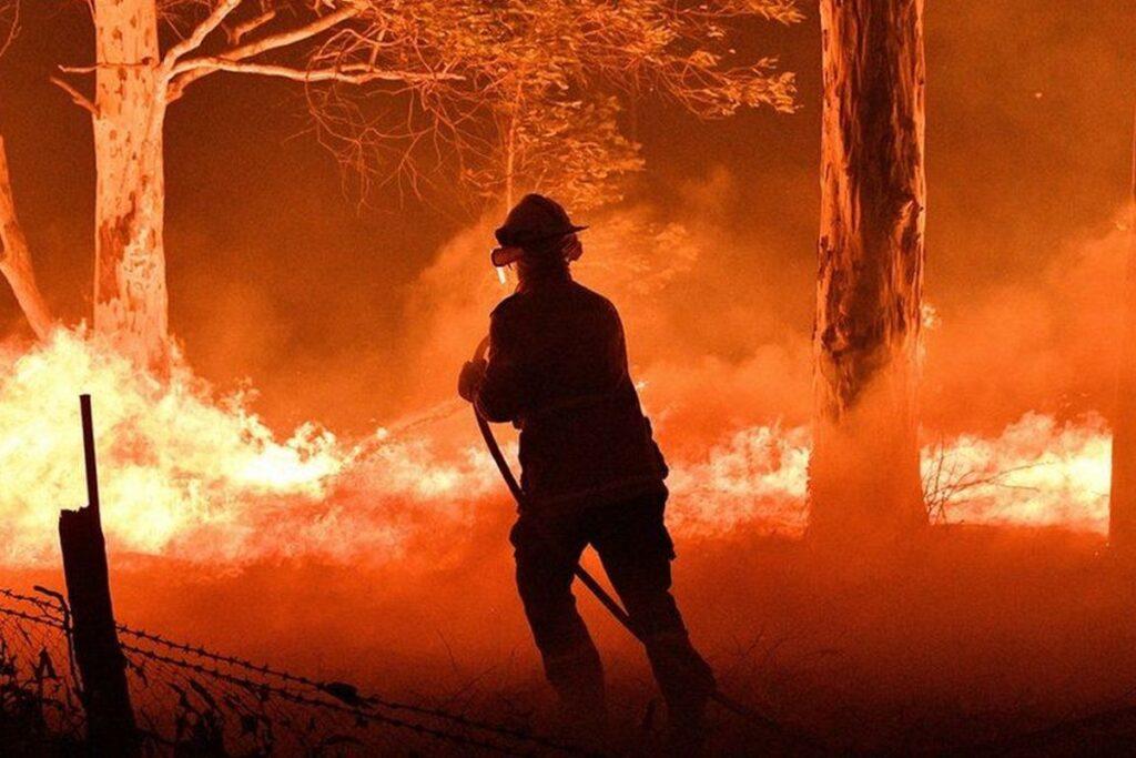 Австралия горит